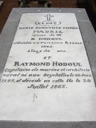 hodoul-raymond-tombe-pampl.jpg